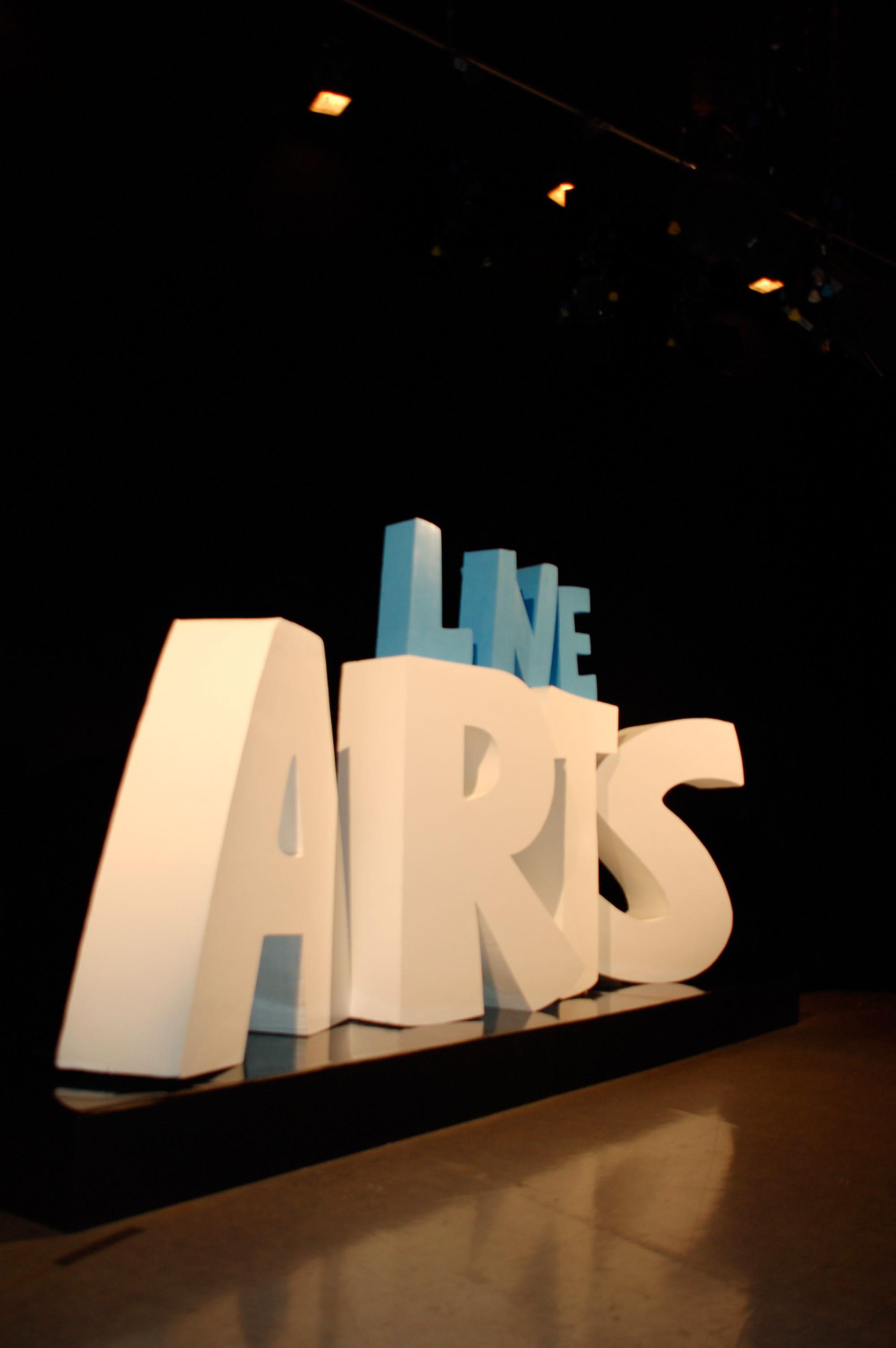 TV set for live arts