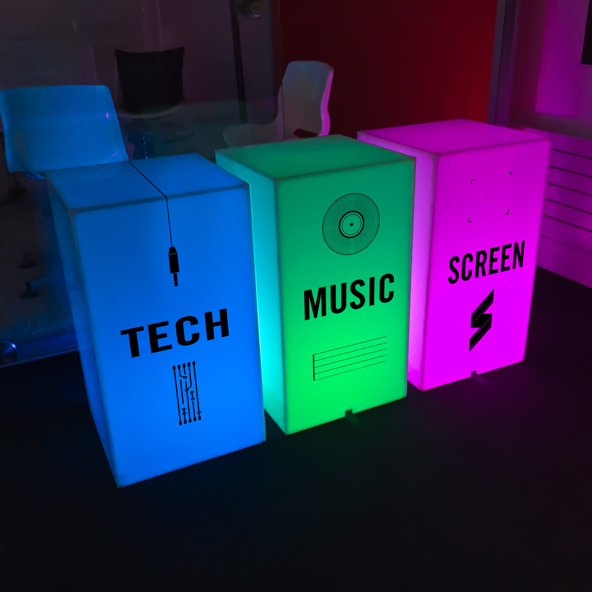 acrylic plinths for event hire
